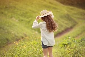 jak chronić włosy przed słońcem